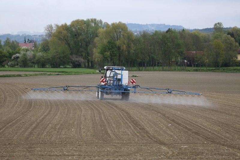 Setva semena trava u delimično obrađeno zemljište (uz primenu herbicida)